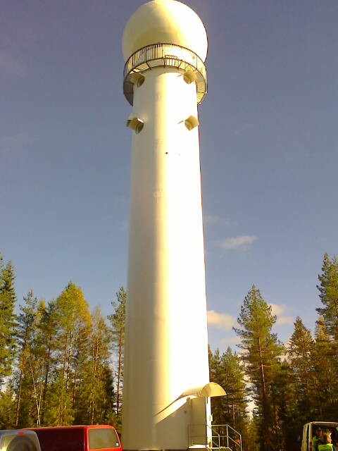 Petäjäveden säätutkatorni valmiina